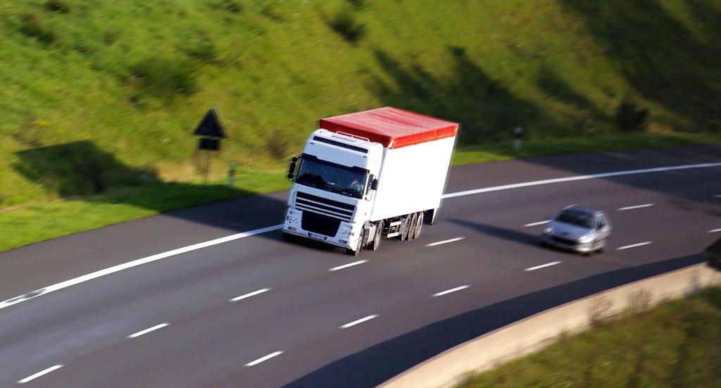 Flottenversicherung-Transport-Versicherungsmakler-Berlin-Auto-Kfz-Versicherung-Andre-Boettcher-Agentin