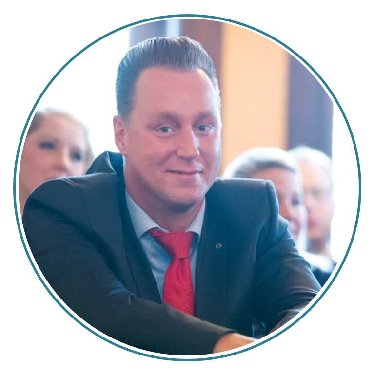 Service-Andre-Boettcher-Agentin-Versicherungsmakler-Berlin